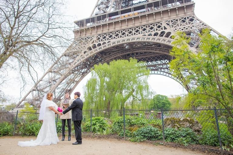 Lesbian elopement in Paris