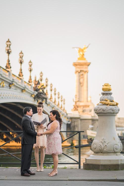 places elope paris golden bridge