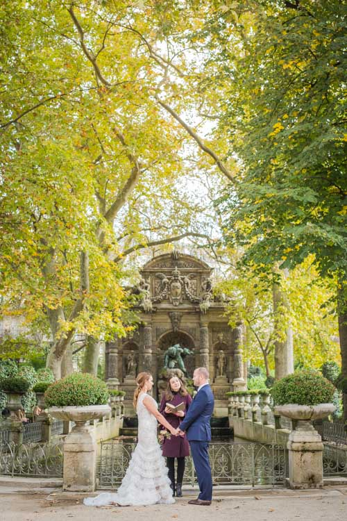 medici fountain elopement ceremony