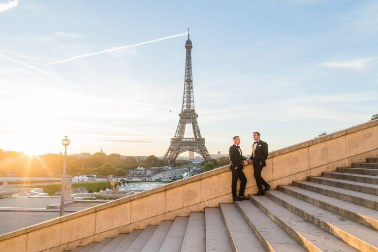 Gay elopement in Paris eiffel tower trocadero stairs sunrise